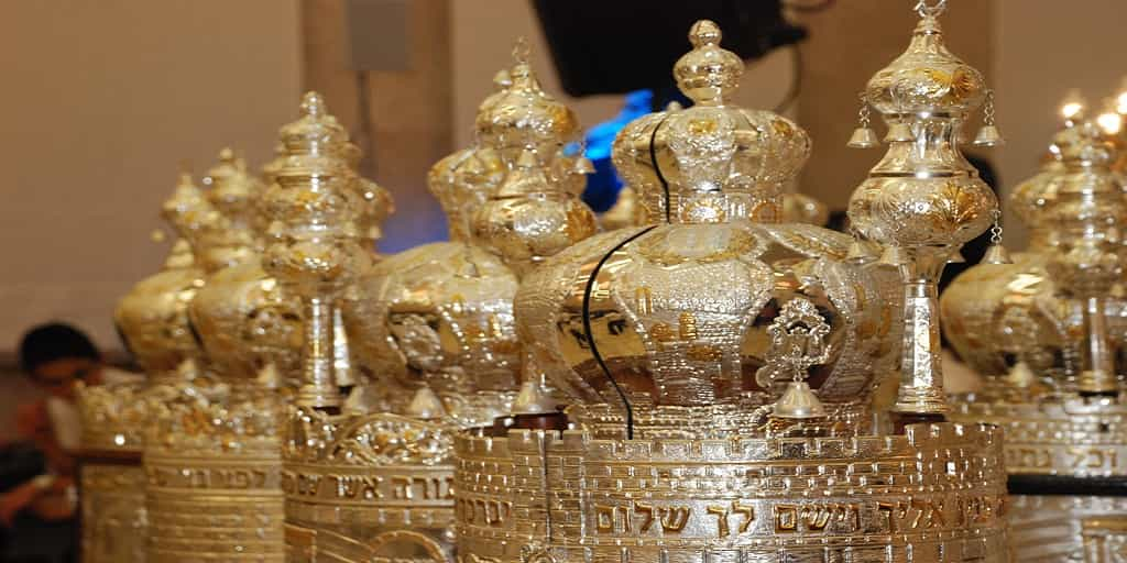Sefer-Torah-Simchat-Torah Simchat Torah 2017… Say What?!?!